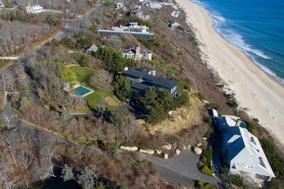 3. Single Family Home at Designers Own Montauk Oceanfront Summer Rental Montauk, NY 11954
