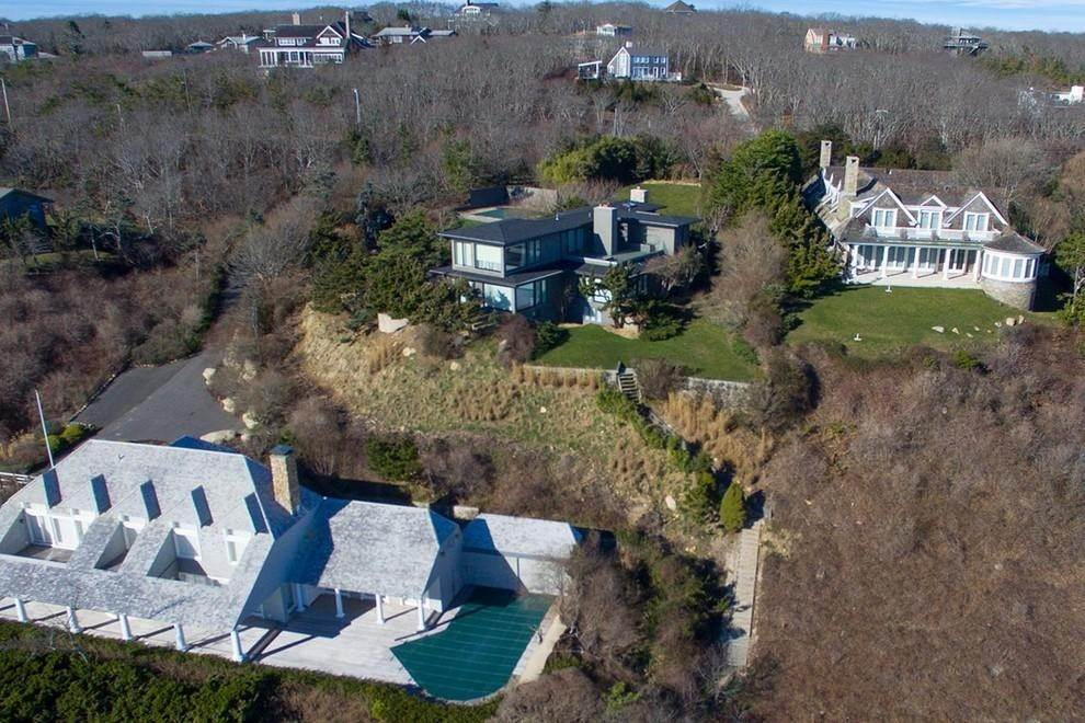 19. Single Family Home at Designers Own Montauk Oceanfront Summer Rental Montauk, NY 11954