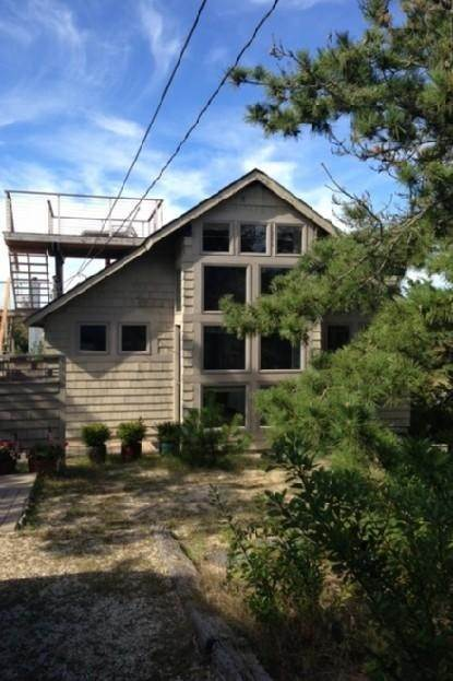 2. Single Family Home at Close To The Ocean Napeague, NY 11930