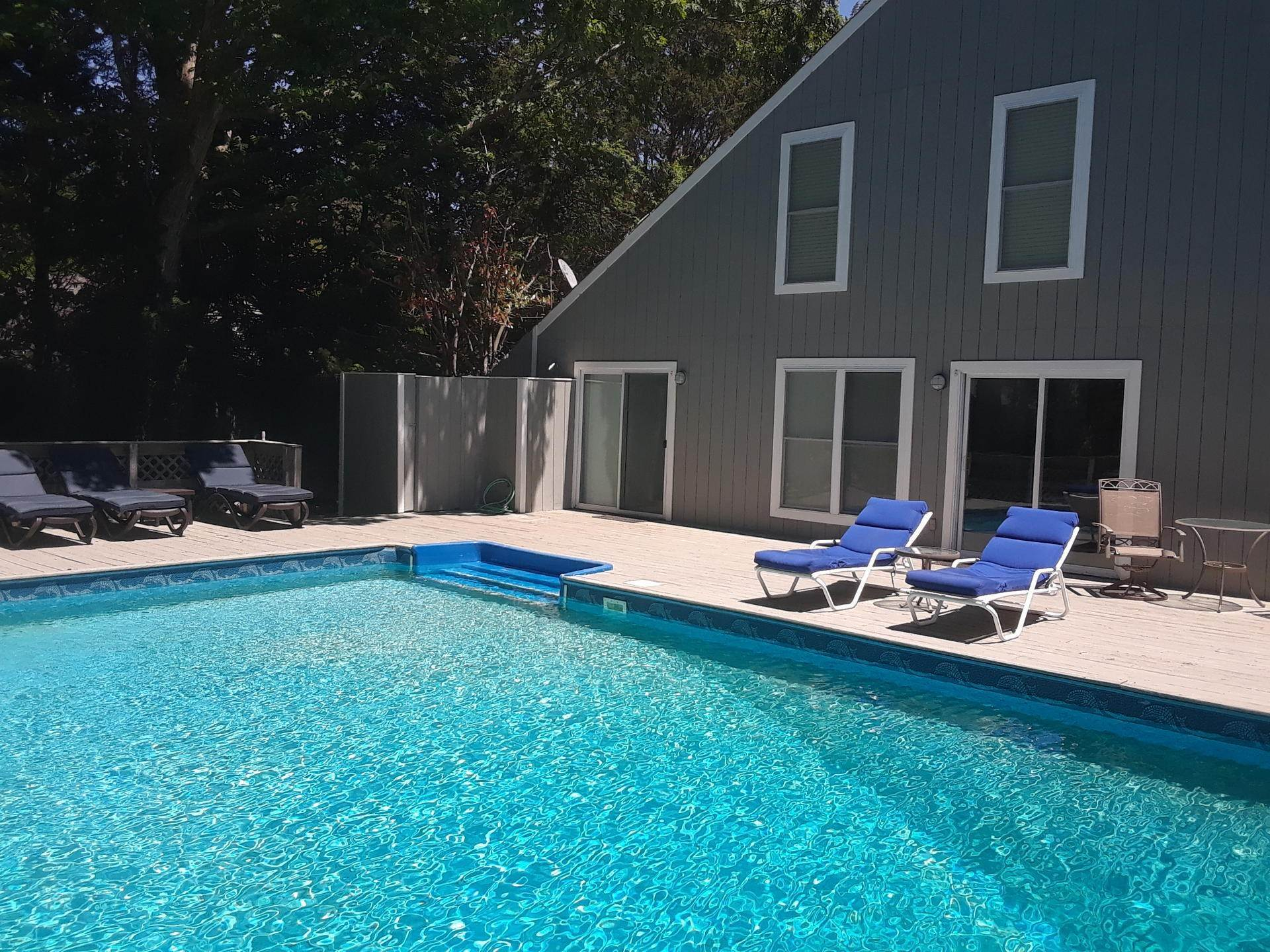 Single Family Home at Home For Rent In East Hampton Bay Beach Community East Hampton, NY 11937