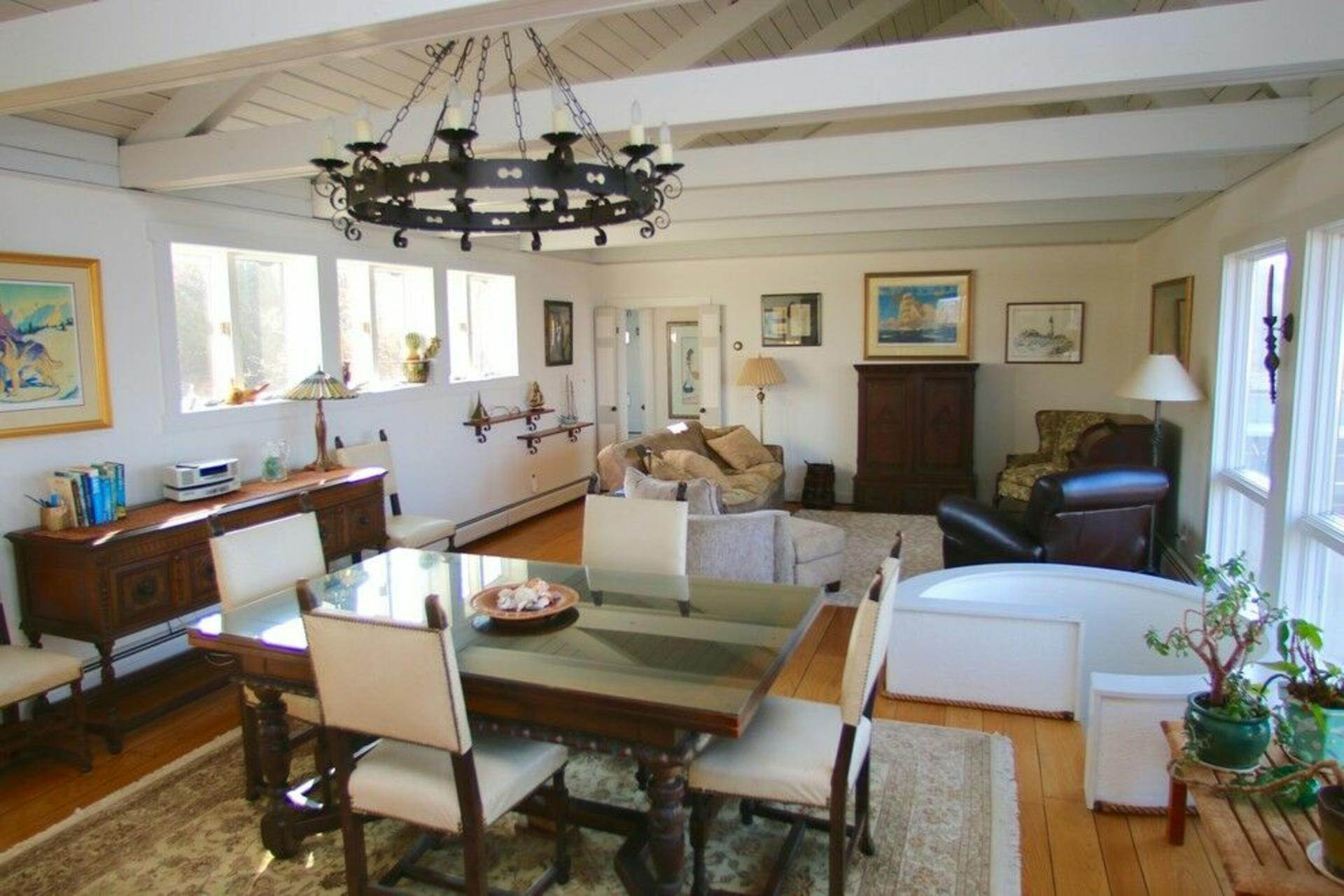 5. Single Family Home at Secluded Bay Front Rental Montauk, NY 11954