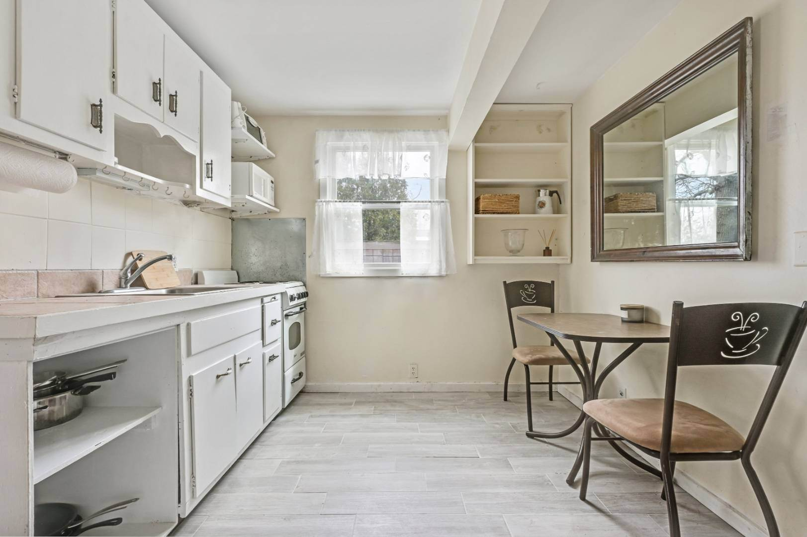 5. Single Family Home at One Bedroom Apartment On The Water Sag Harbor, NY 11963
