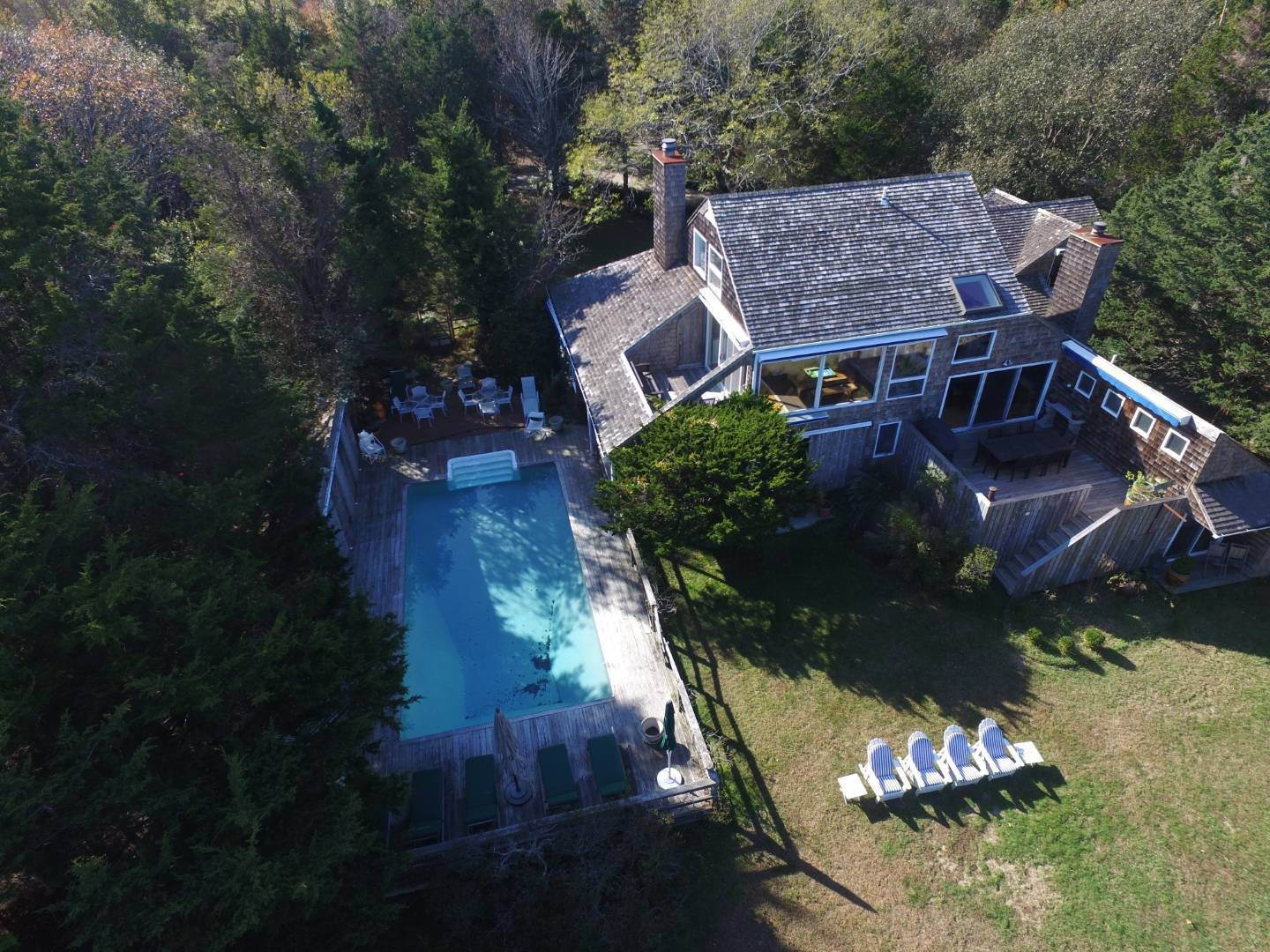 27. Single Family Home at Waterfront Serenity Retreat With Lots Of Water Toys East Hampton, NY 11937