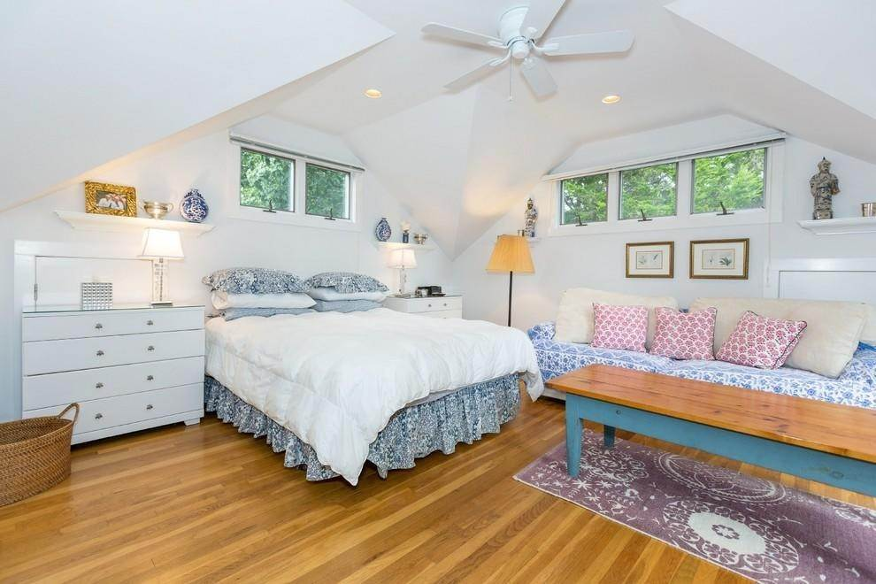 13. Single Family Home at Waterfront Serenity Retreat With Lots Of Water Toys East Hampton, NY 11937