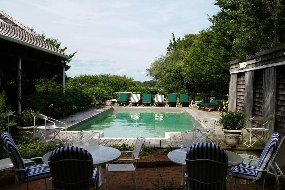 18. Single Family Home at Waterfront Serenity Retreat With Lots Of Water Toys East Hampton, NY 11937