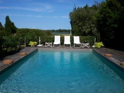 17. Single Family Home at Waterfront Serenity Retreat With Lots Of Water Toys East Hampton, NY 11937