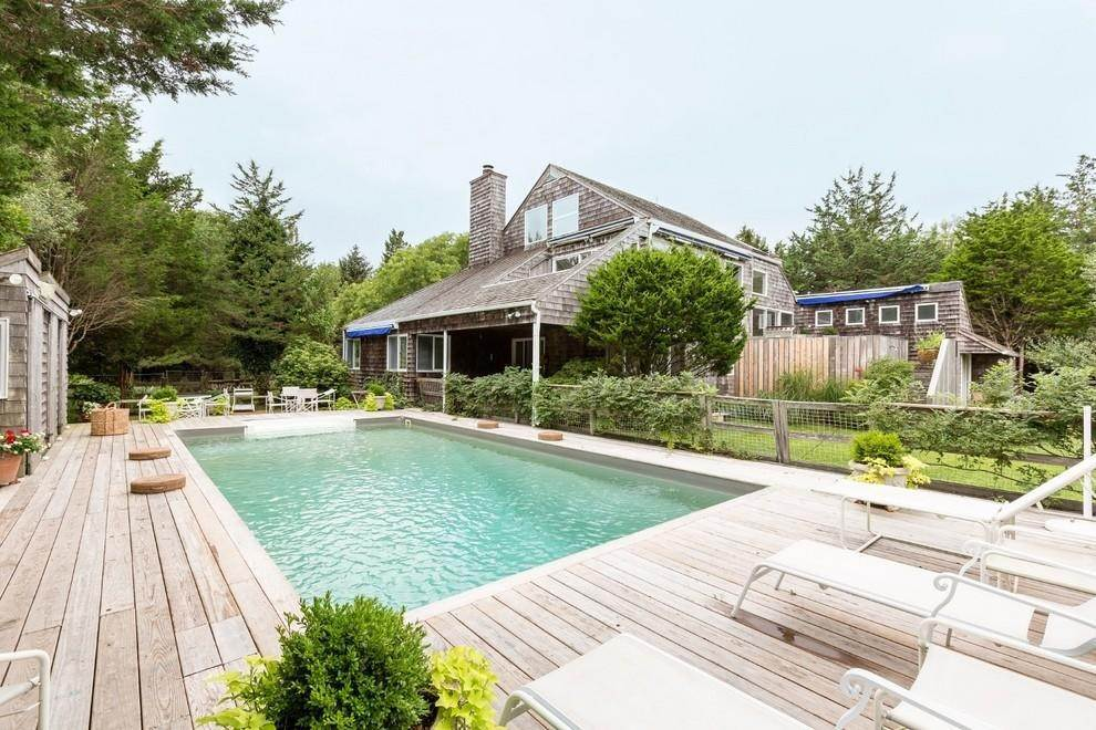 2. Single Family Home at Waterfront Serenity Retreat With Lots Of Water Toys East Hampton, NY 11937
