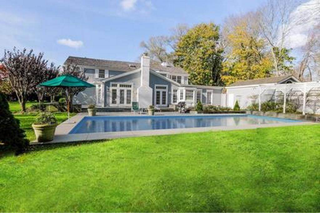 2. Single Family Home at Estate Section- Close Proximity Ocean And Village Southampton, NY 11968