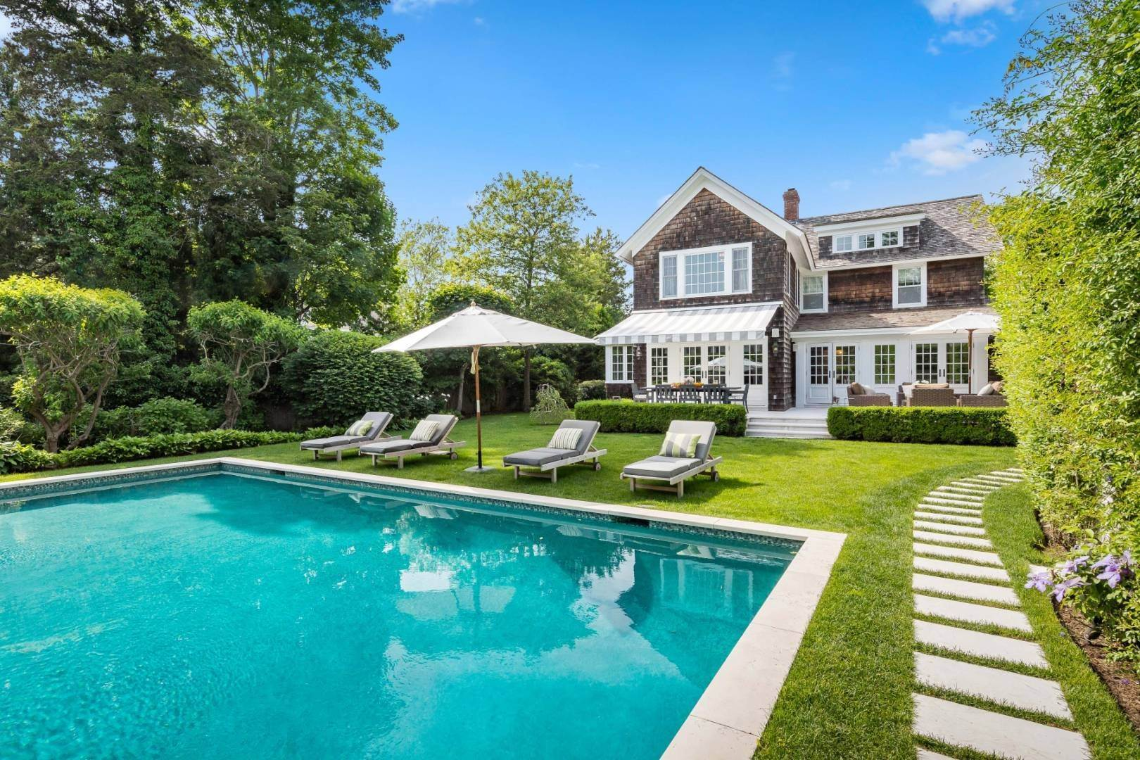 26. Single Family Home at Absolutely The Finest In Southampton Village Southampton, NY 11968