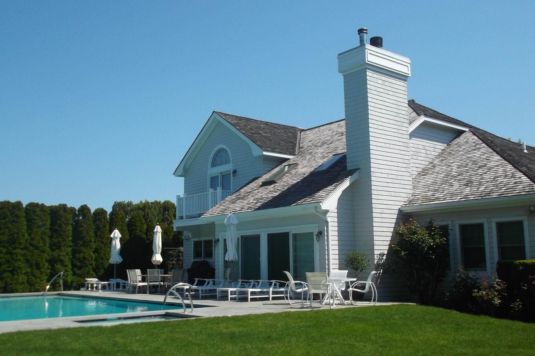 3. Single Family Home at Southampton Village With Pool And Tennis Southampton, NY 11968
