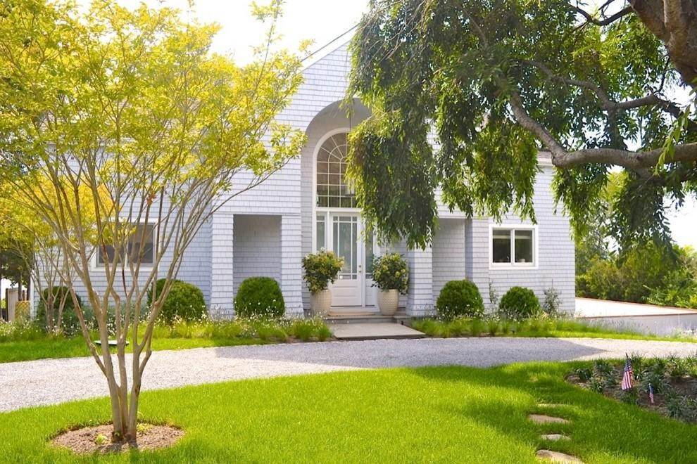2. Single Family Home at Waterfront With Dock Sag Harbor, NY 11963