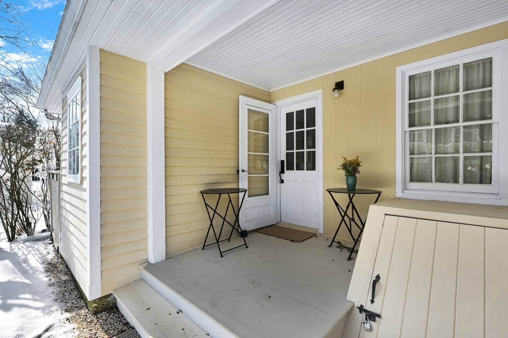 17. Single Family Home at Sag Harbor Village Apartment With Pool Access Sag Harbor, NY 11963