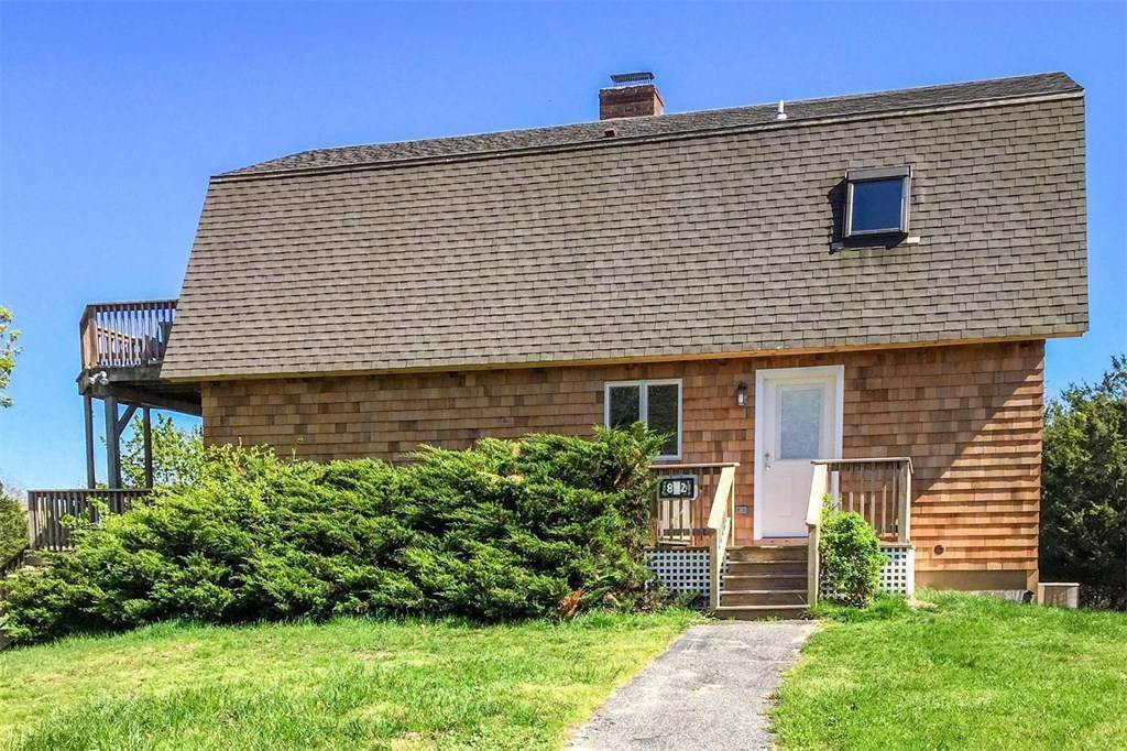 2. Single Family Home at Picturesque Accabonac Harbor East Hampton, NY 11937