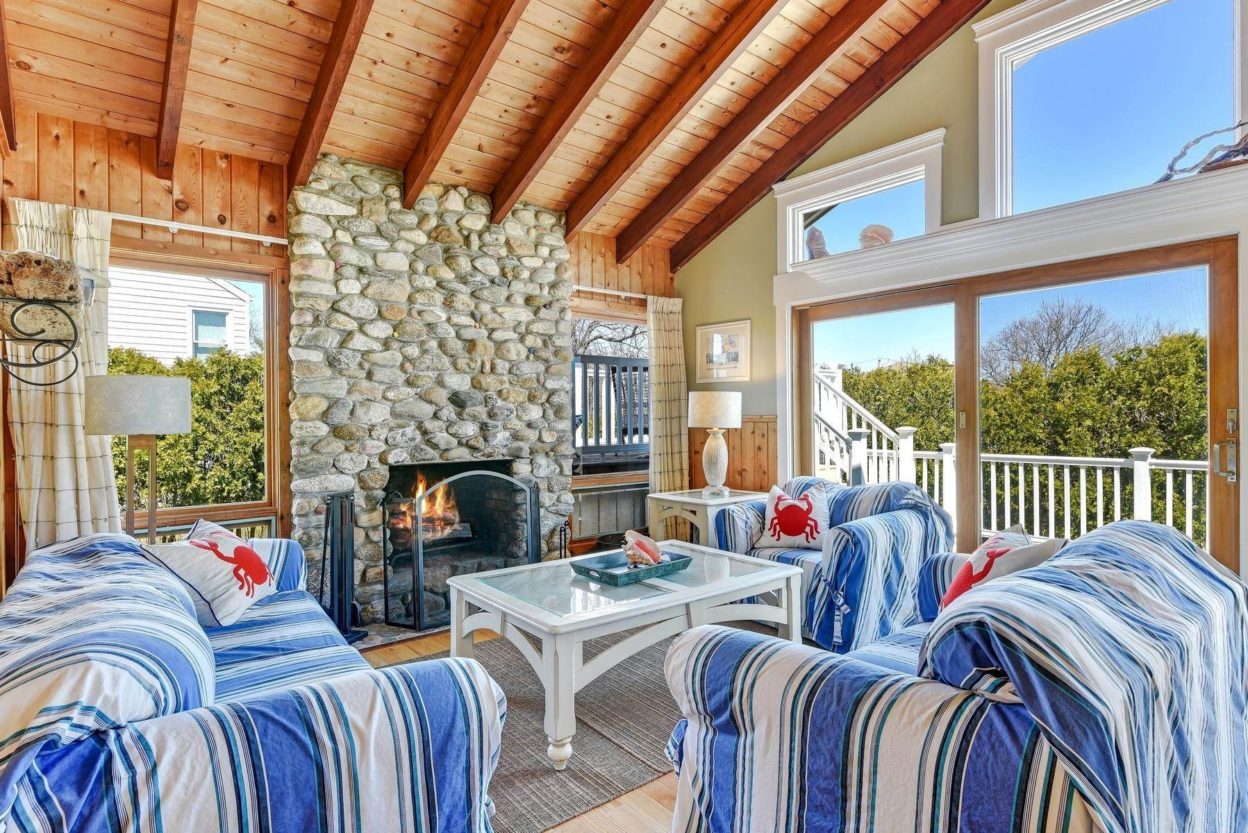 3. Single Family Home at Montauk's Culloden Shores Beach Home Montauk, NY 11954