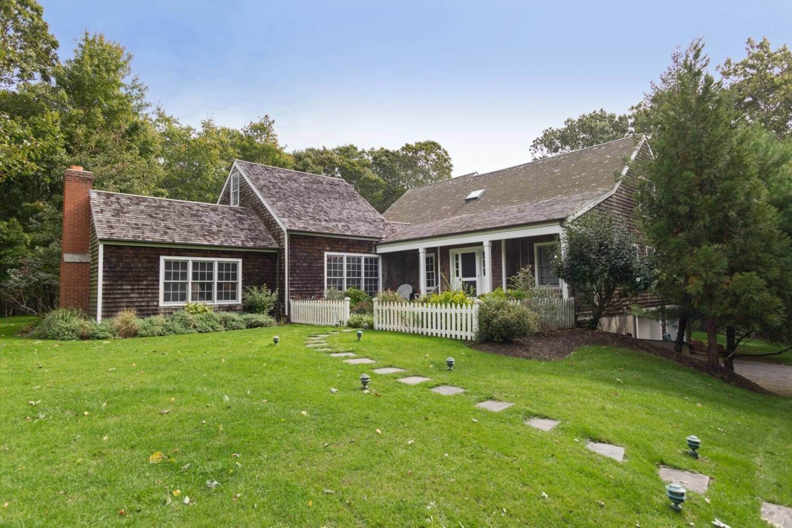 19. Single Family Home at Commune With Nature Bridgehampton, NY 11932