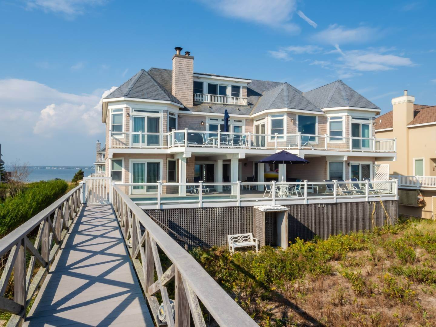 16. Single Family Home at Oceanfront Beach House On Dune Road - Winter Availability Westhampton Dunes Village, NY 11978