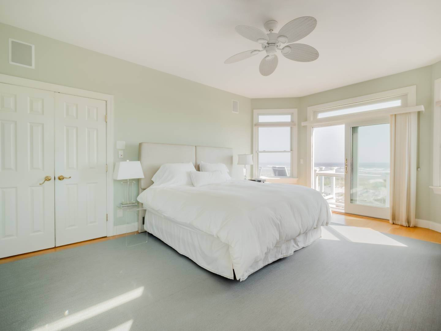 10. Single Family Home at Oceanfront Beach House On Dune Road - Winter Availability Westhampton Dunes Village, NY 11978