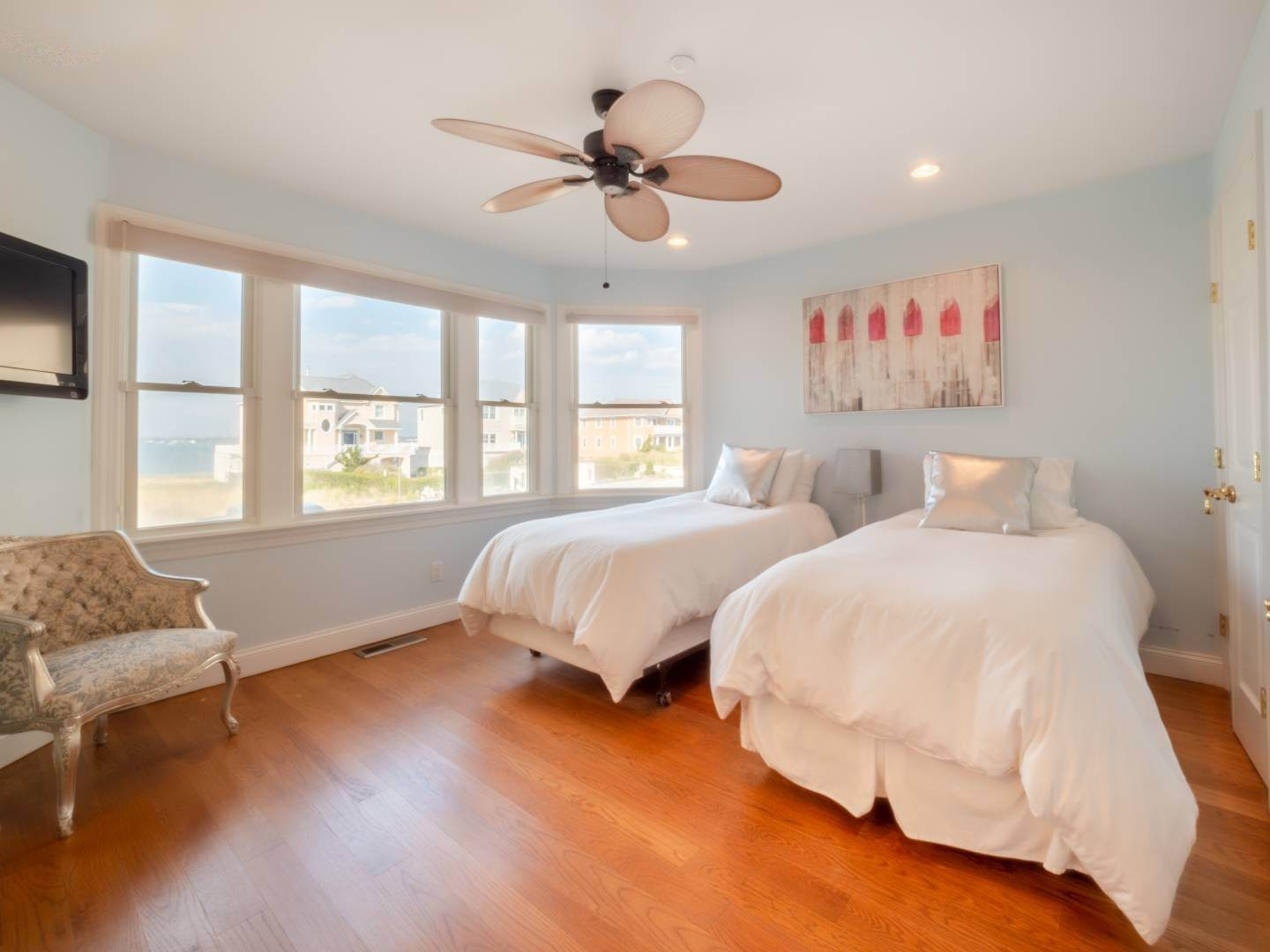 14. Single Family Home at Oceanfront Beach House On Dune Road - Winter Availability Westhampton Dunes Village, NY 11978