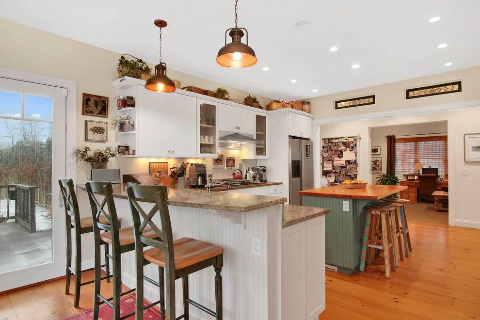 6. Single Family Home at Culloden Point - Montauk Charmer Montauk, NY 11954