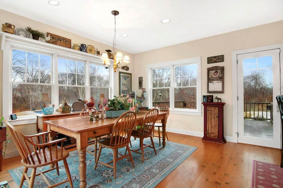 7. Single Family Home at Culloden Point - Montauk Charmer Montauk, NY 11954