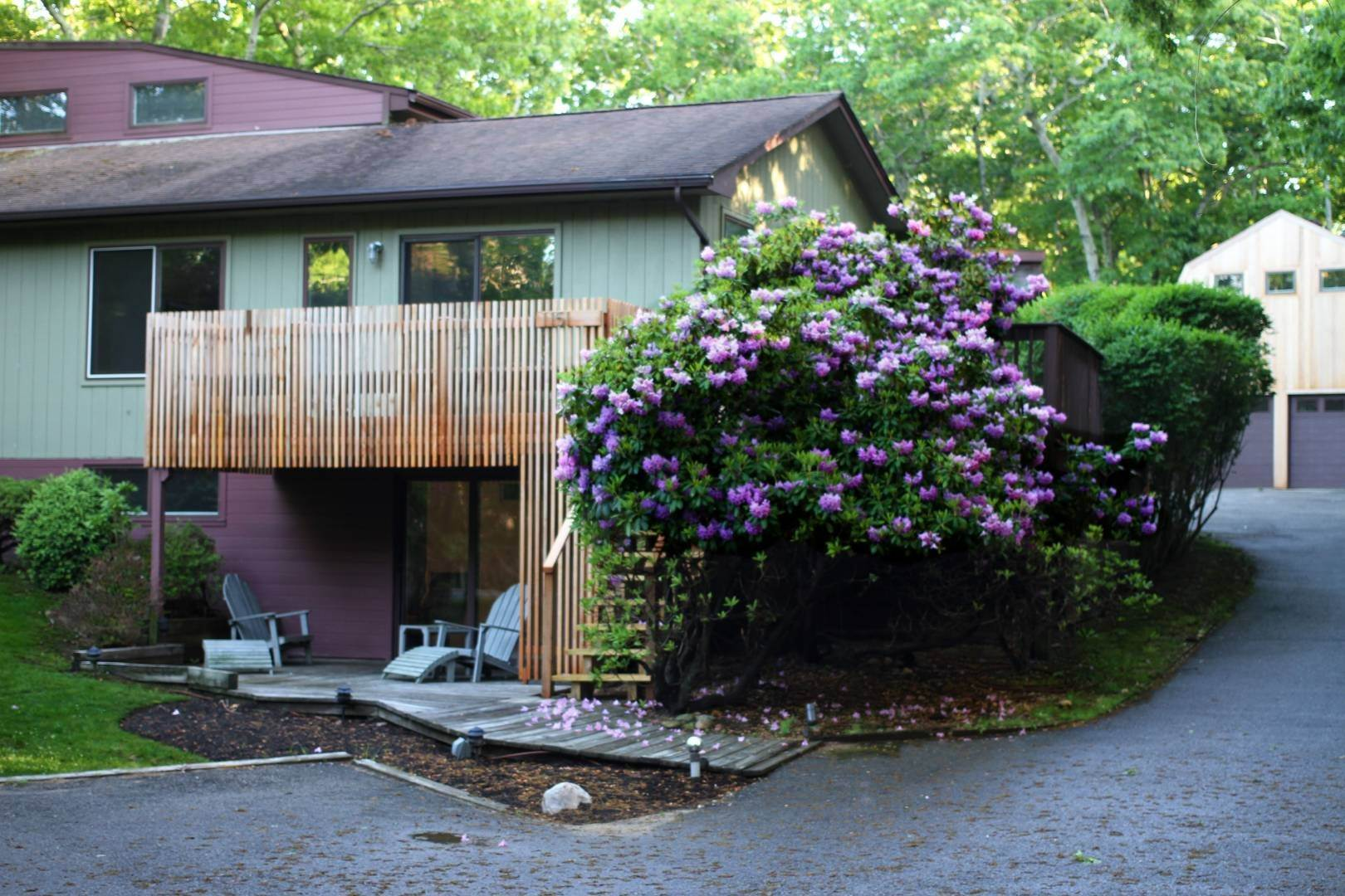 6. Single Family Home at Modern Three Level With Pool & Clearwater Beach Access East Hampton, NY 11937