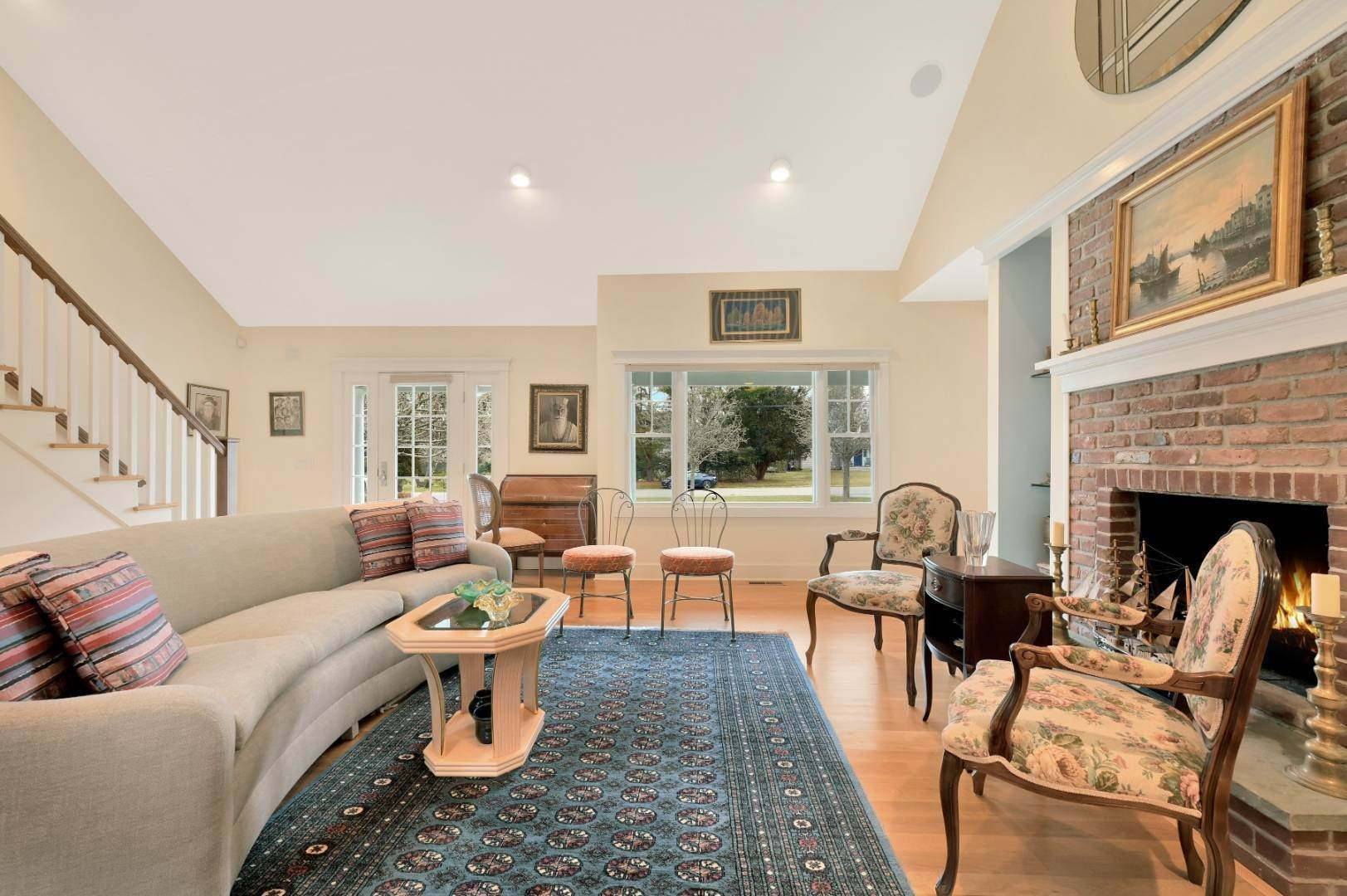7. Single Family Home at Westhampton Beach Village Retreat Westhampton Beach Village, NY 11978