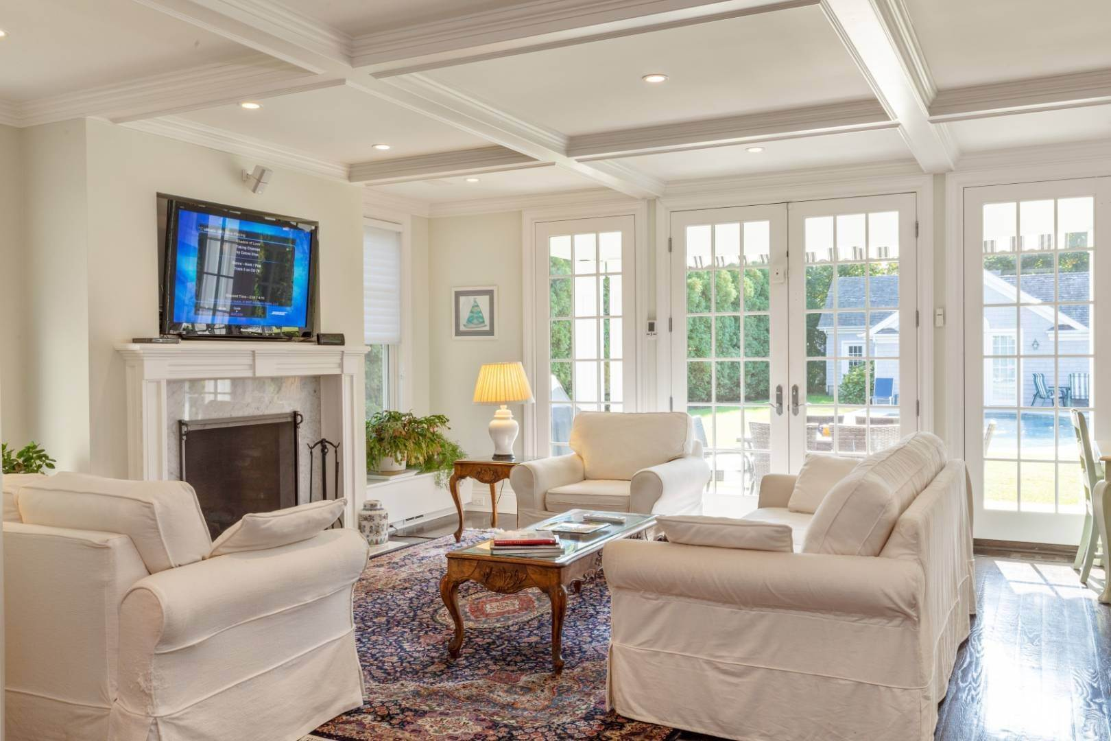 13. Single Family Home at Stunning Village Traditional Southampton, NY 11968