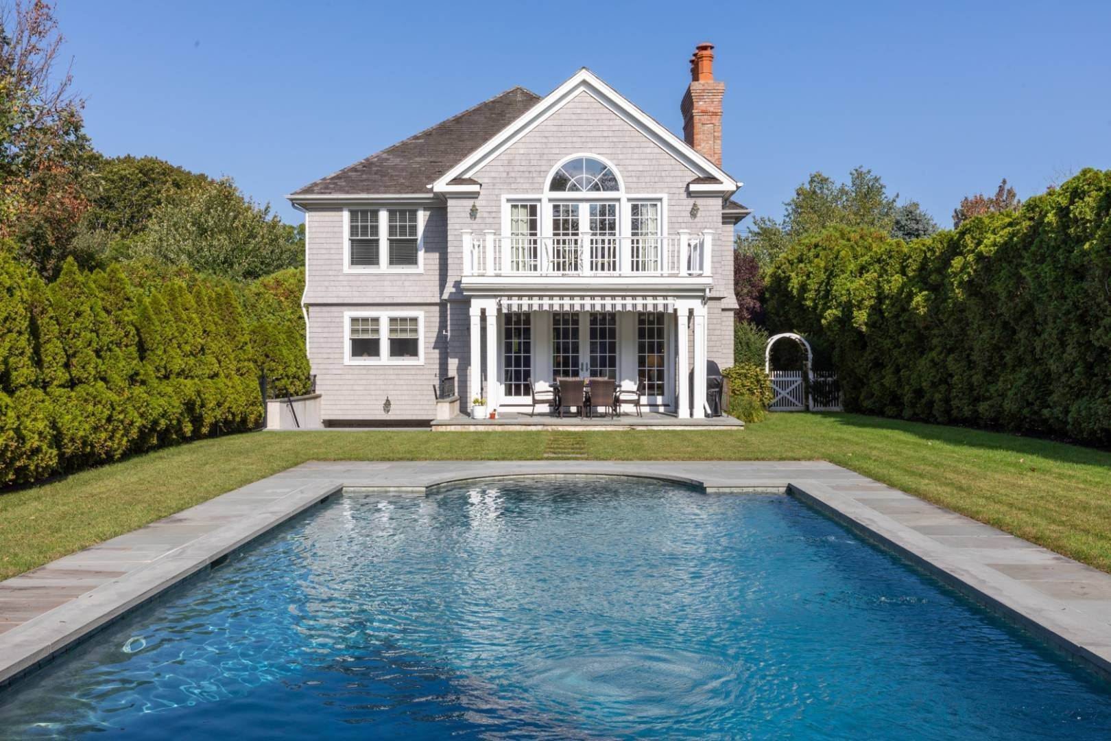 3. Single Family Home at Stunning Village Traditional Southampton, NY 11968