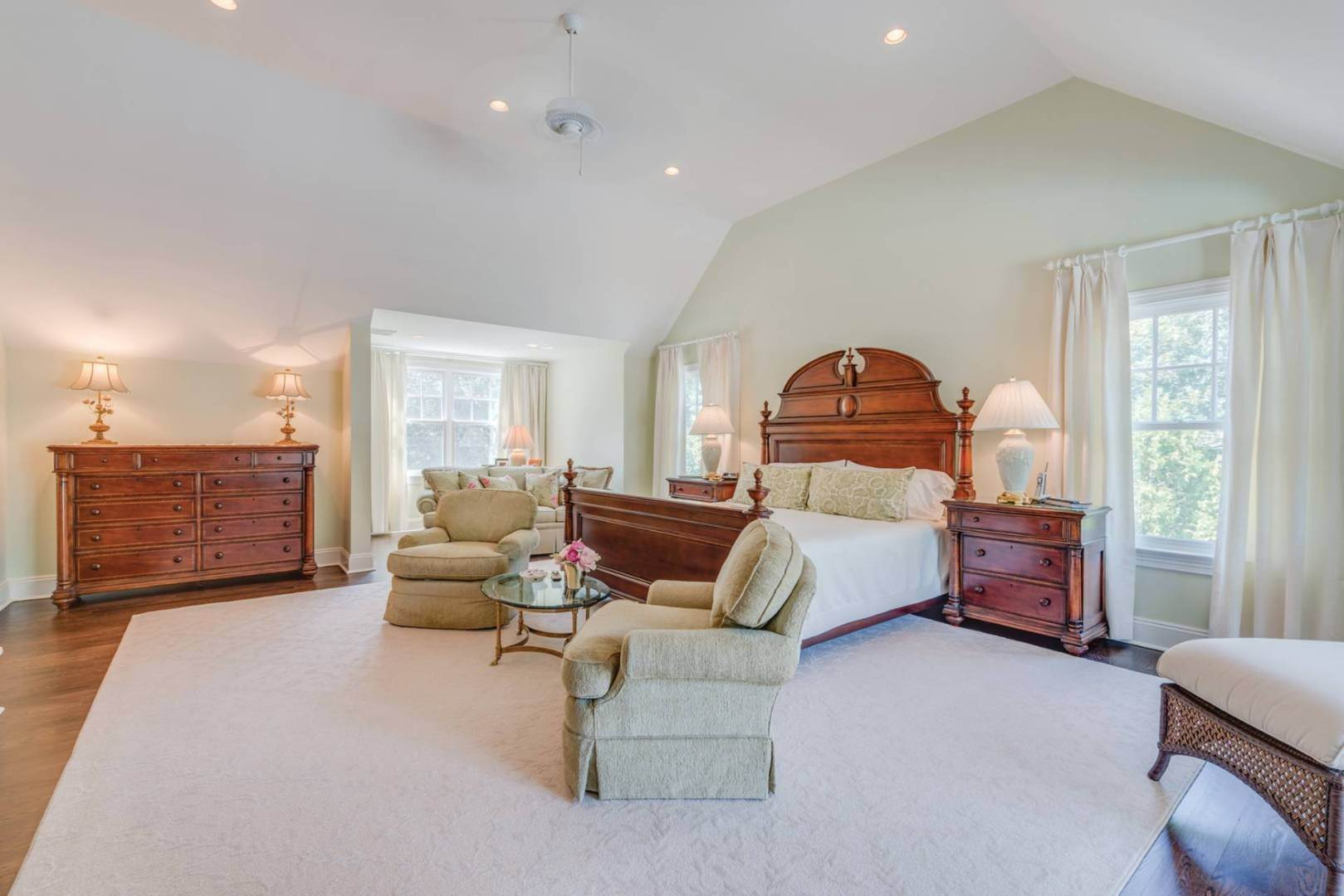 8. Single Family Home at Stunning Village Traditional Southampton, NY 11968