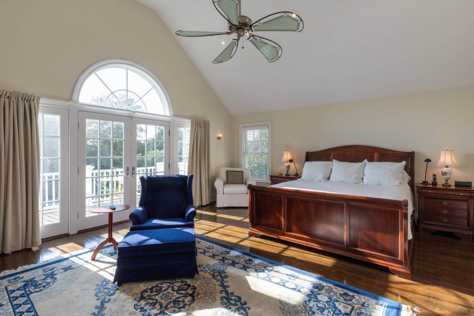 12. Single Family Home at Stunning Village Traditional Southampton, NY 11968