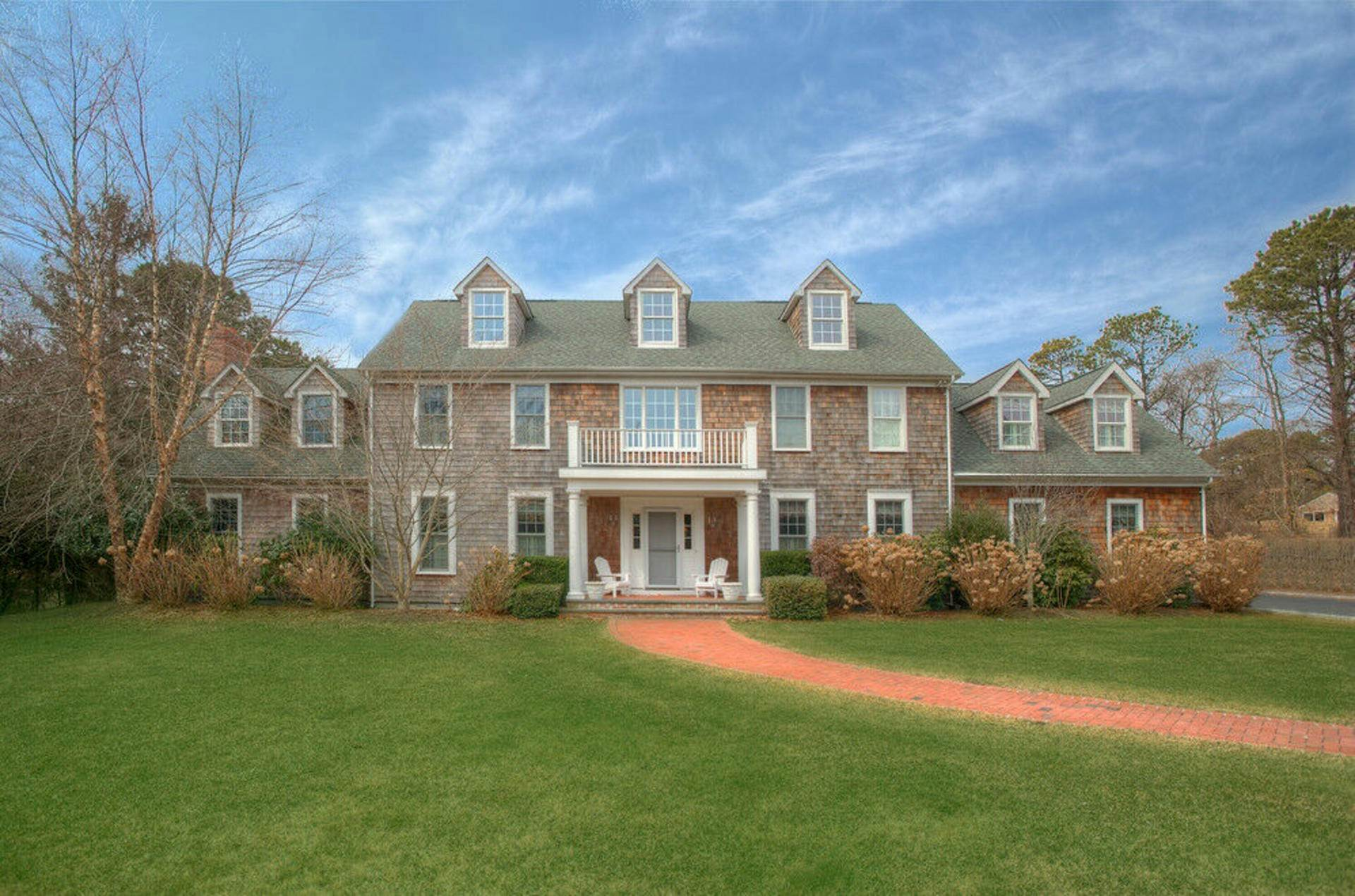 Single Family Home at The Perfect Southampton Getaway... 270 Montauk Highway, Southampton, NY 11968