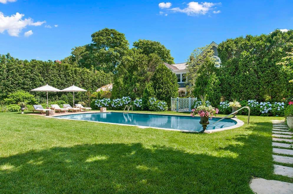 21. Single Family Home at New Village South Rental East Hampton, NY 11937