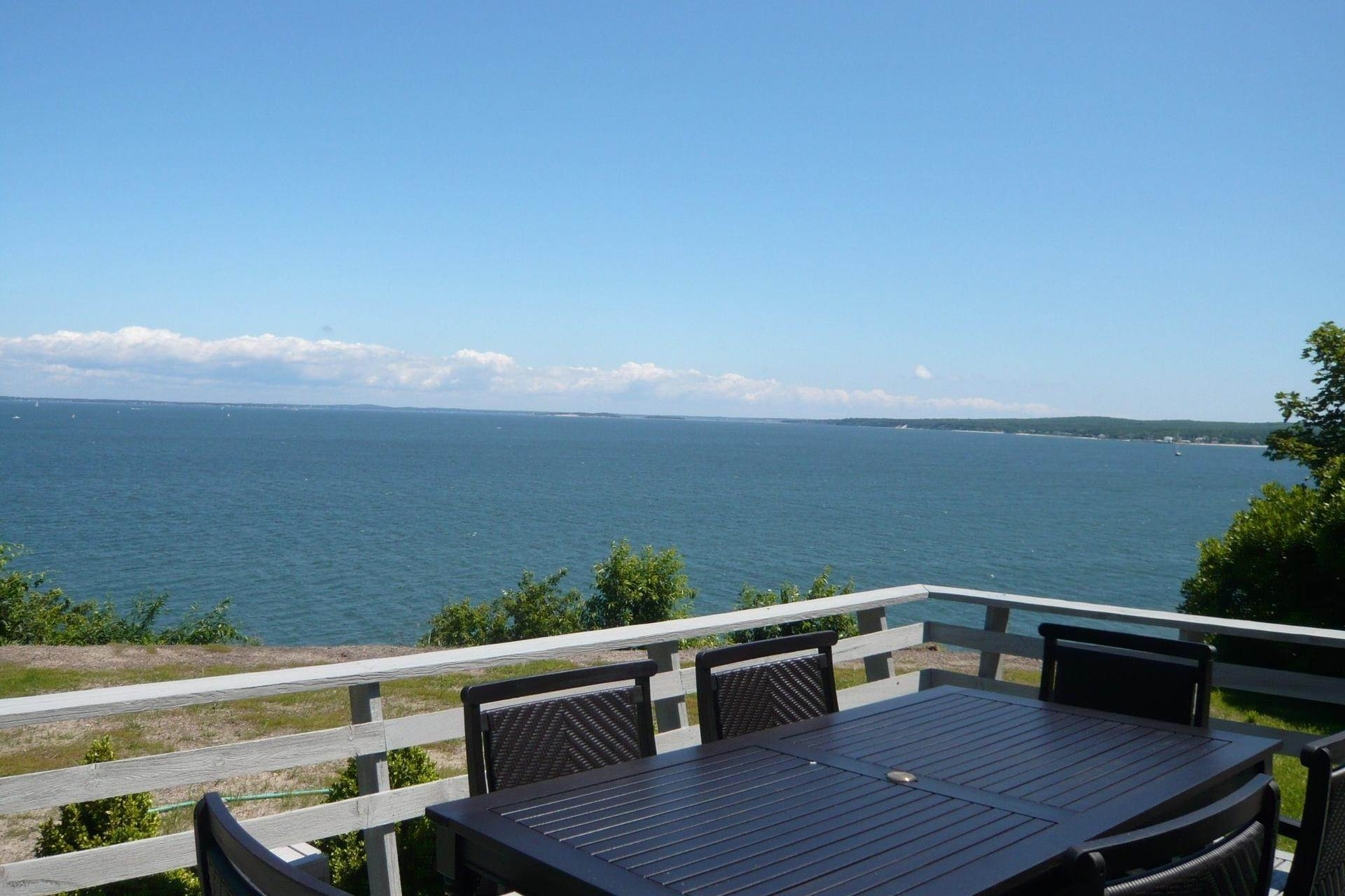 Single Family Home at Bay Front, Stunning Panoramic Views Southampton, NY 11968