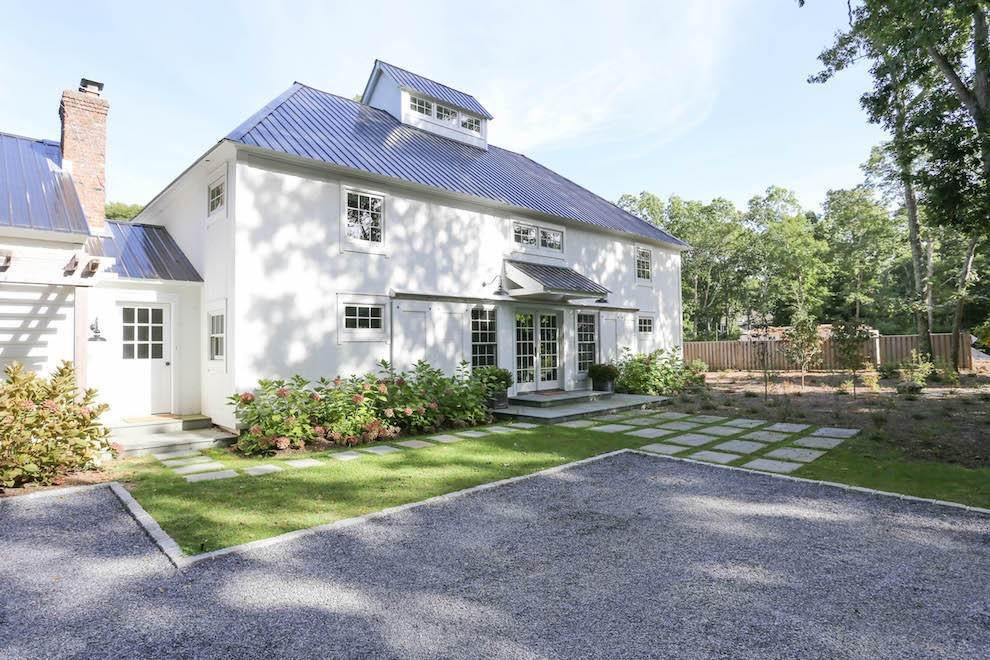 1. Single Family Home at Exquisite Wainscott South Vermont Style Barn Wainscott, NY 11975