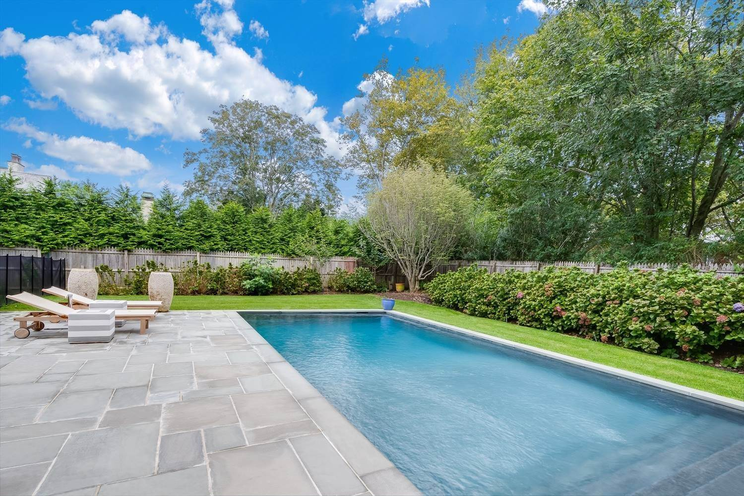 5. Single Family Home at Quintessential Hamptons Summer In Amagansett South 43 Hedges Lane, Amagansett, NY 11930
