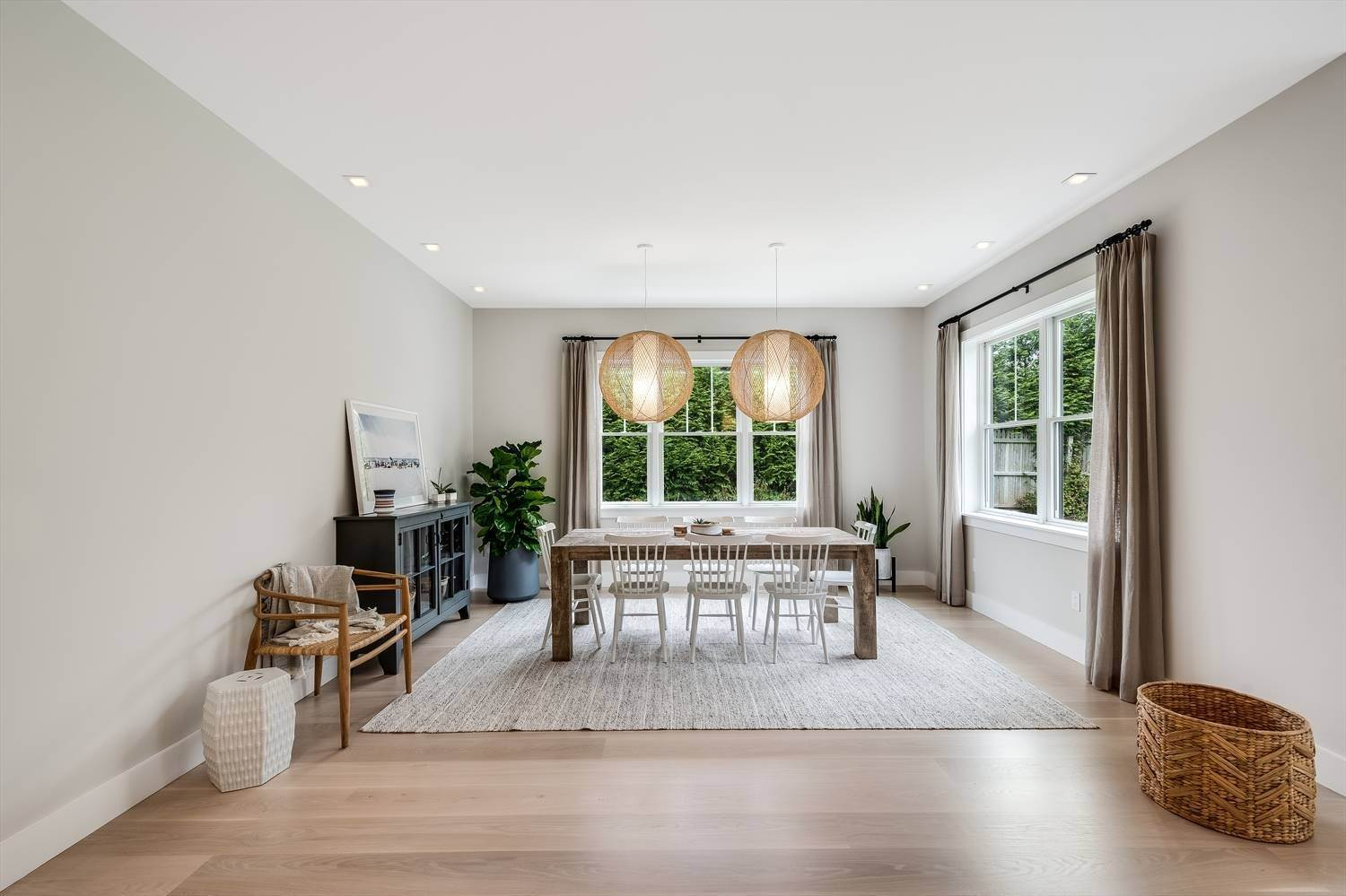 9. Single Family Home at Quintessential Hamptons Summer In Amagansett South 43 Hedges Lane, Amagansett, NY 11930