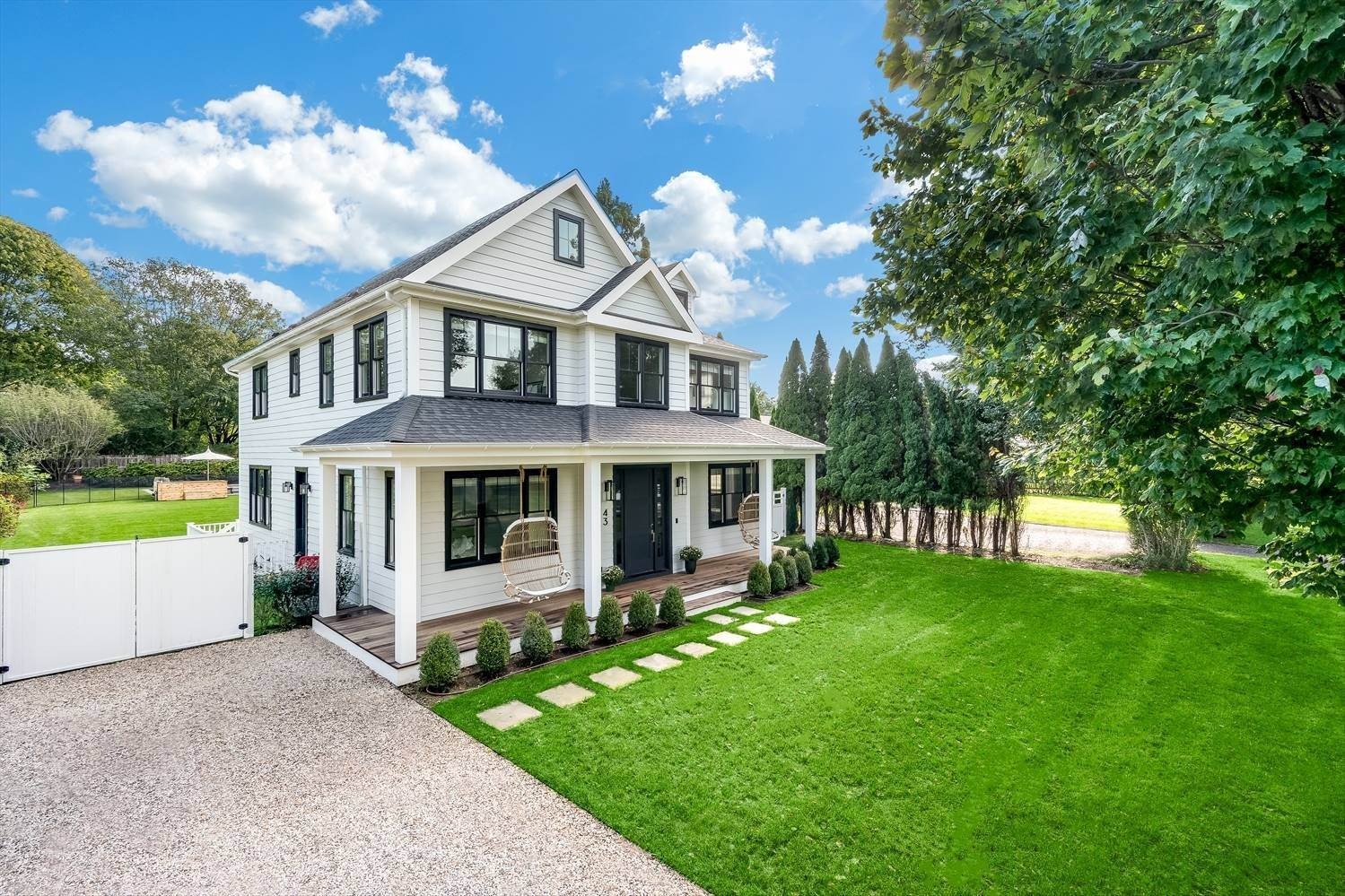 2. Single Family Home at Quintessential Hamptons Summer In Amagansett South 43 Hedges Lane, Amagansett, NY 11930