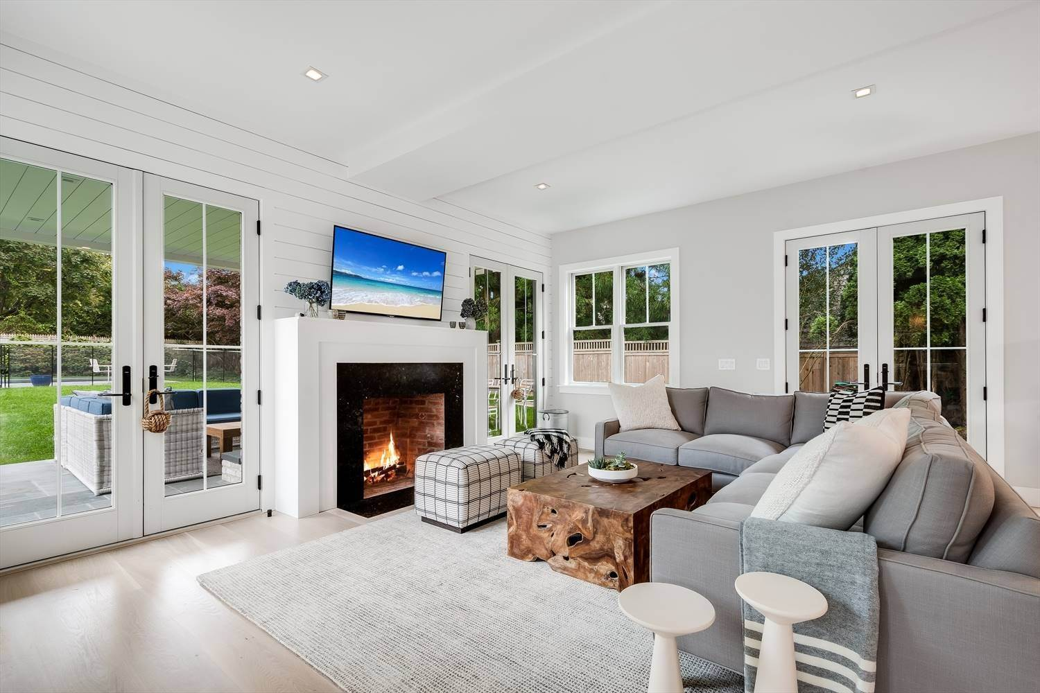11. Single Family Home at Quintessential Hamptons Summer In Amagansett South 43 Hedges Lane, Amagansett, NY 11930