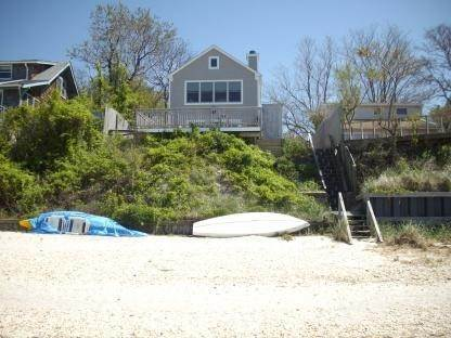 Single Family Home at Spectacular Open Peconic Bayfront Hampton Bays, NY 11946