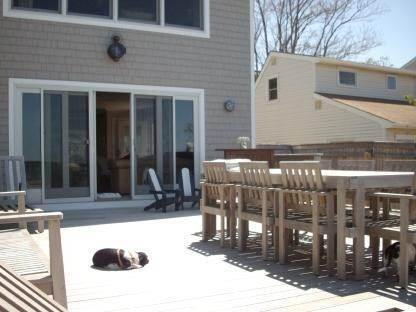 16. Single Family Home at Spectacular Open Peconic Bayfront Hampton Bays, NY 11946