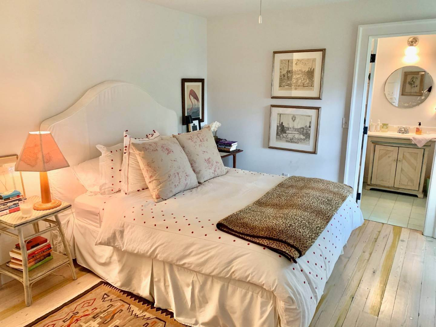 25. Single Family Home at Completely Charming Home East Hampton, NY 11937