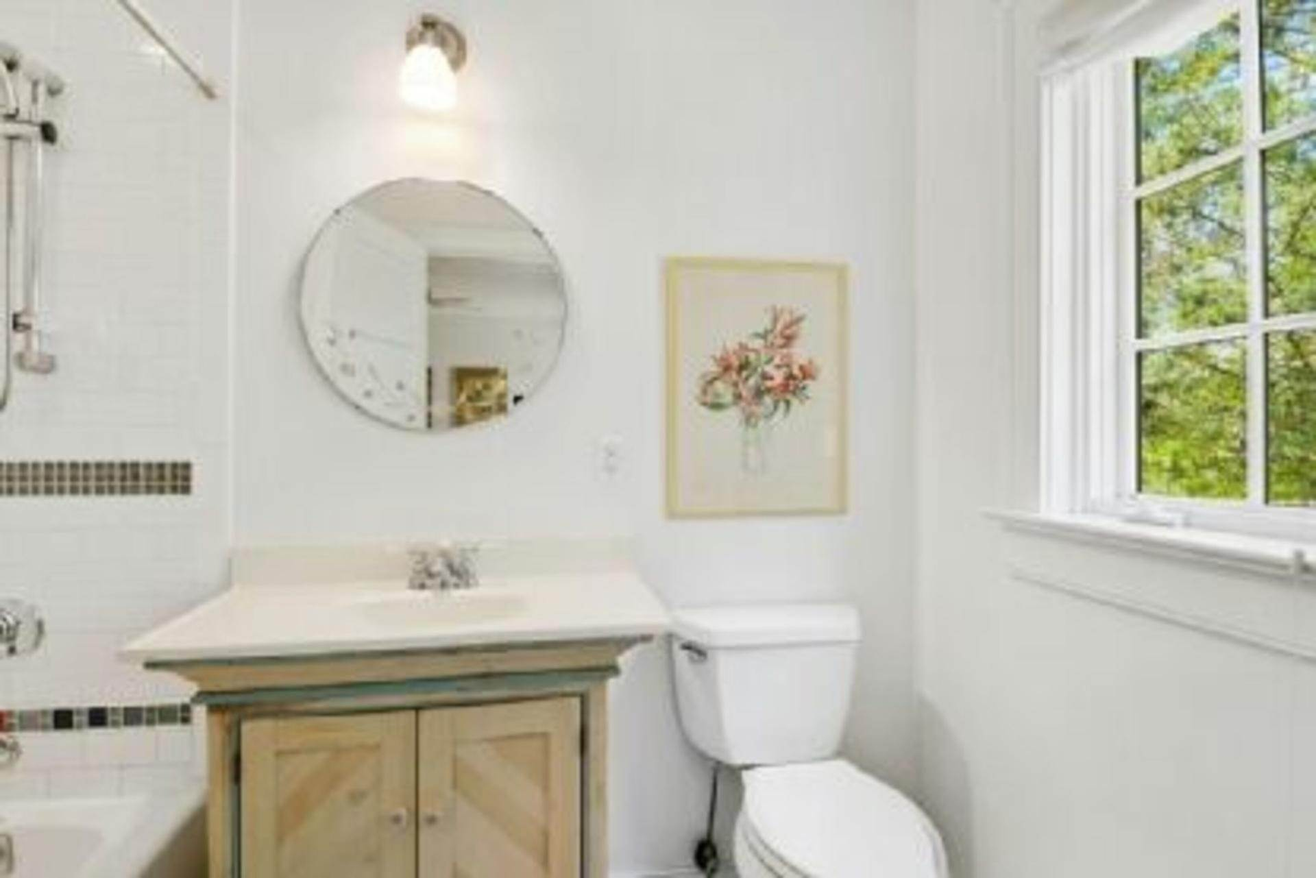 10. Single Family Home at Completely Charming Home East Hampton, NY 11937