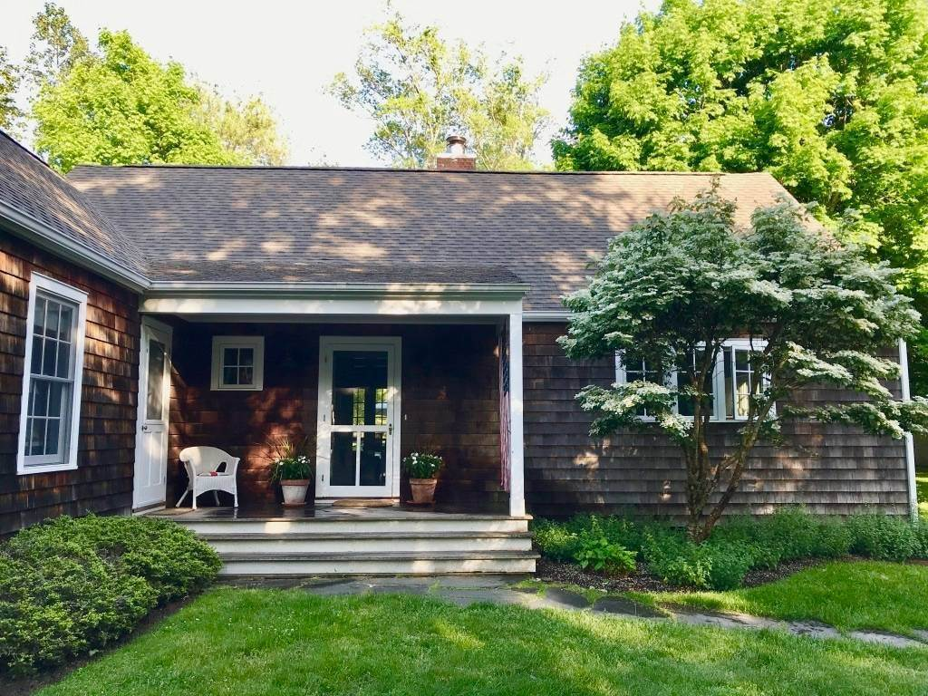 Single Family Home at Completely Charming Home East Hampton, NY 11937