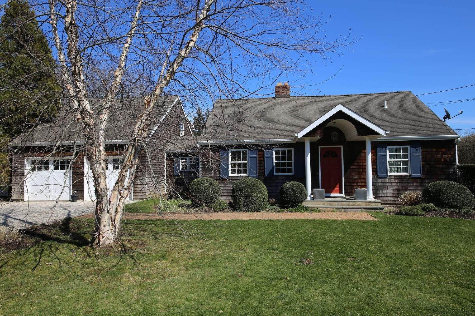 2. Single Family Home at Southampton Village Southampton, NY 11968