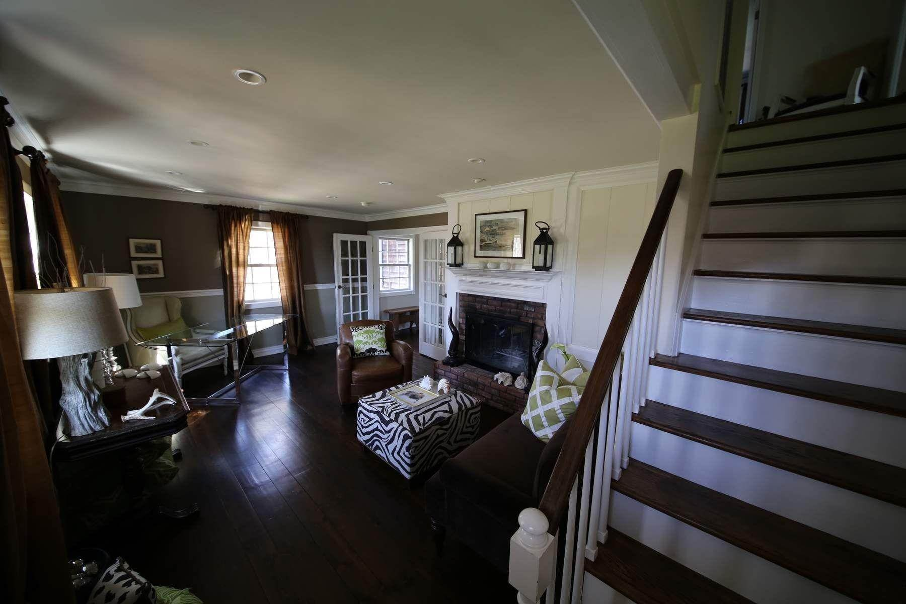 5. Single Family Home at Southampton Village Southampton, NY 11968