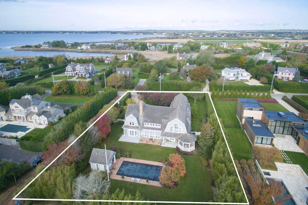 2. Single Family Home at Bridgehampton South Bridgehampton, NY 11932