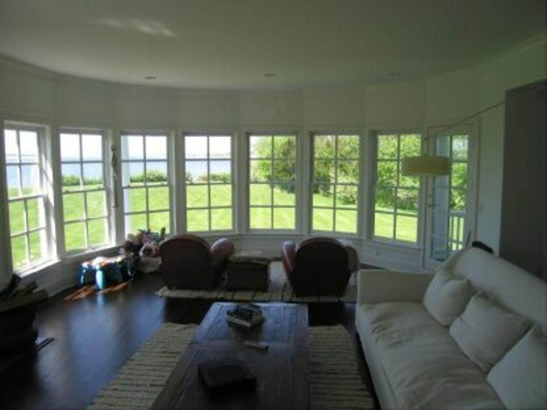 2. Single Family Home at Peconic Bayfront NY 11964