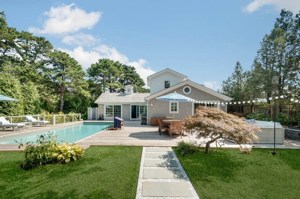 Single Family Home at New Designers Own Dunes Beach House With Pool Amagansett, NY 11930