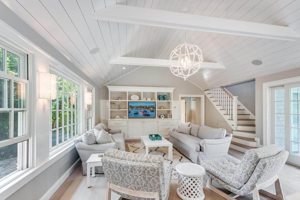4. Single Family Home at New Designers Own Dunes Beach House With Pool Amagansett, NY 11930