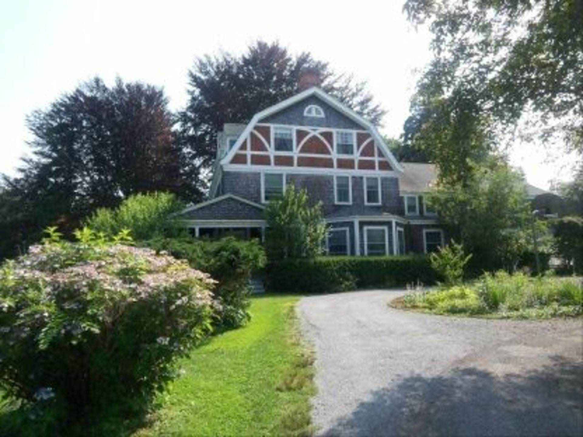 2. Single Family Home at East Hampton South Of The Highway Rental East Hampton, NY 11937